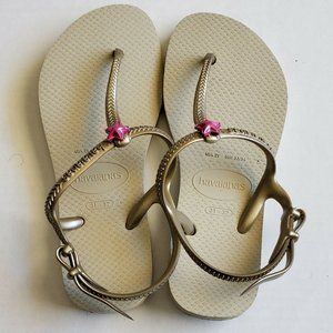 Havaianas Girls Size 2 Gold Jelly Sandals